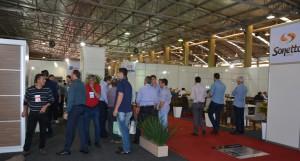 Público conhece novidades e lançamentos na feira direcionada para o setor madeireiro e moveleiro
