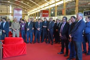 Autoridades e lideranças do setor moveleiro participaram da solenidade de abertura