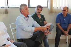 O vice-presidente regional da Fiesc Waldemar Antonio Schmitz sugeriu a aplicação de um levantamento regional para identificar as necessidades de aprendizagem industrial