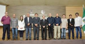 Diretoria e conselheiros fiscais eleitos para a gestão 2018/2021 da Amoesc e Simovale