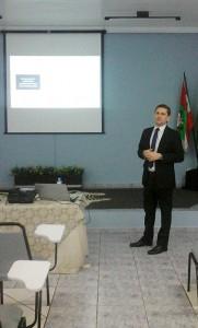 Gerente comercial da Oliveira & Carvalho – Auditoria e Consultoria, Marcelo Cunha palestrou em Pinhalzinho