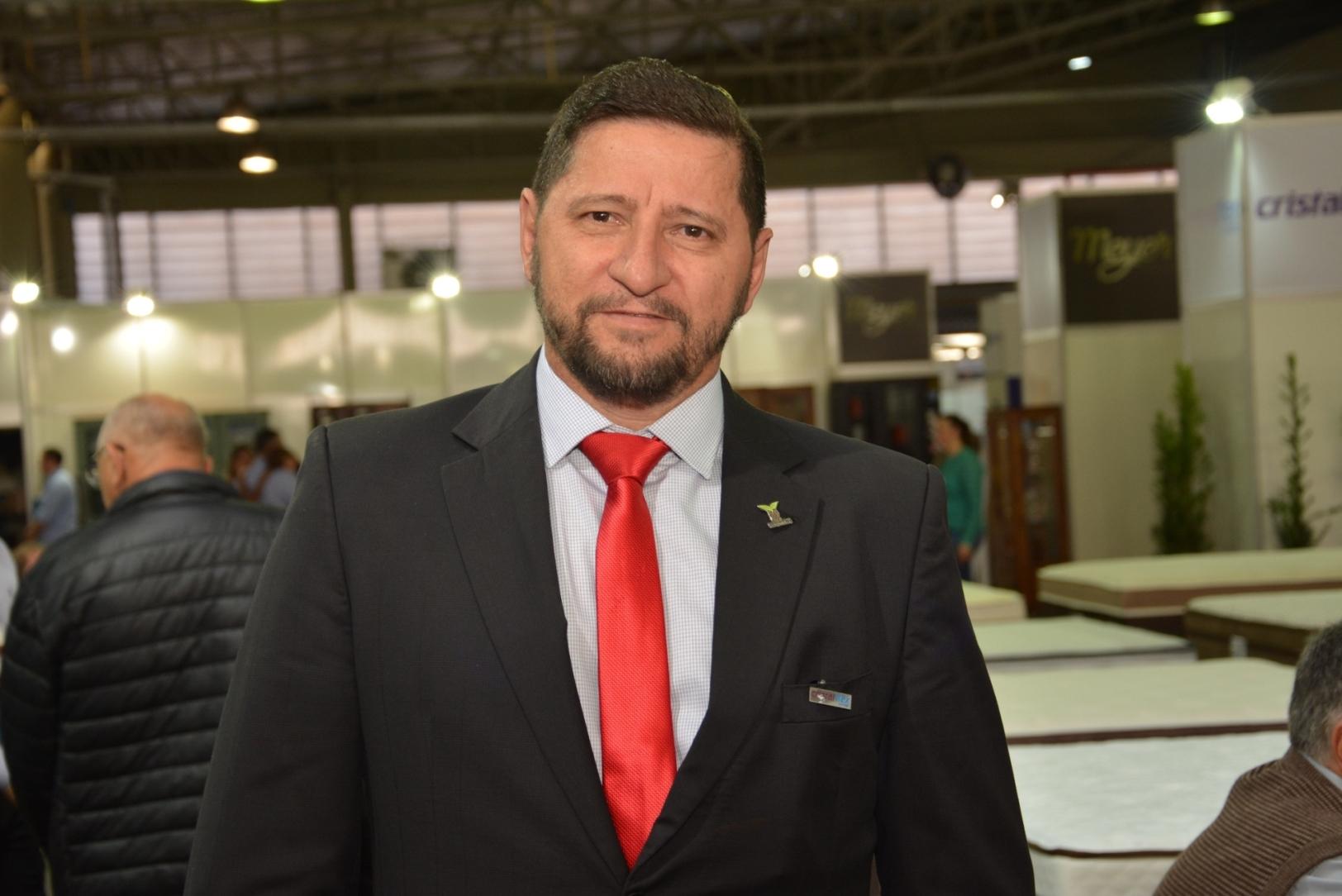 Presidente da feira, José Derli Cerveira, comemora os resultados obtidos