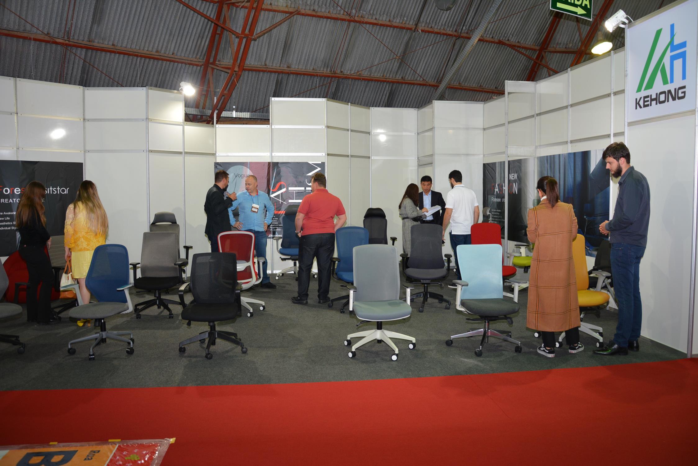 Kehong e Sitstar é a primeira empresa internacional expondo na Mercomóveis