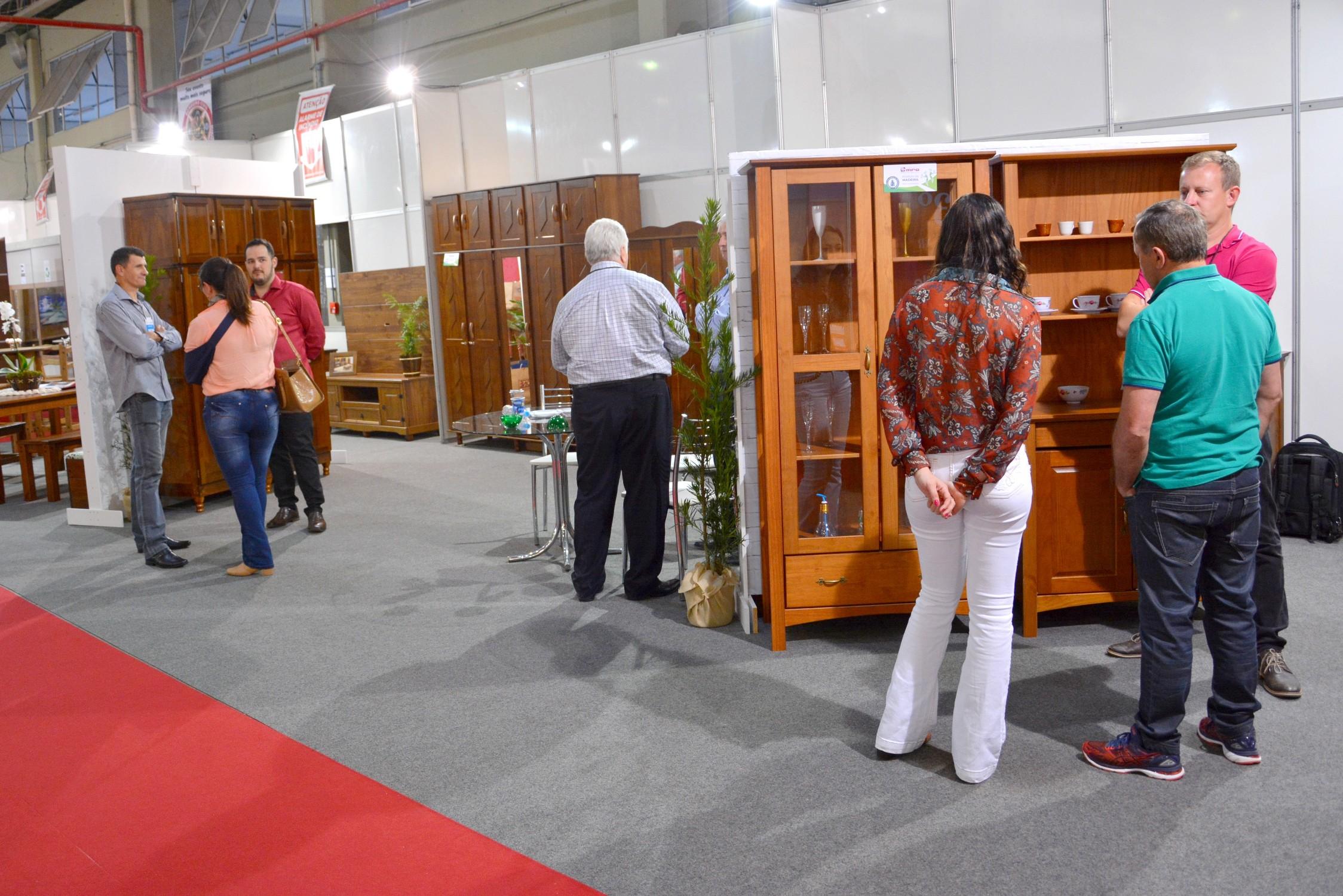 Visitantes puderam conhecer móveis com diferentes designs e muita qualidade